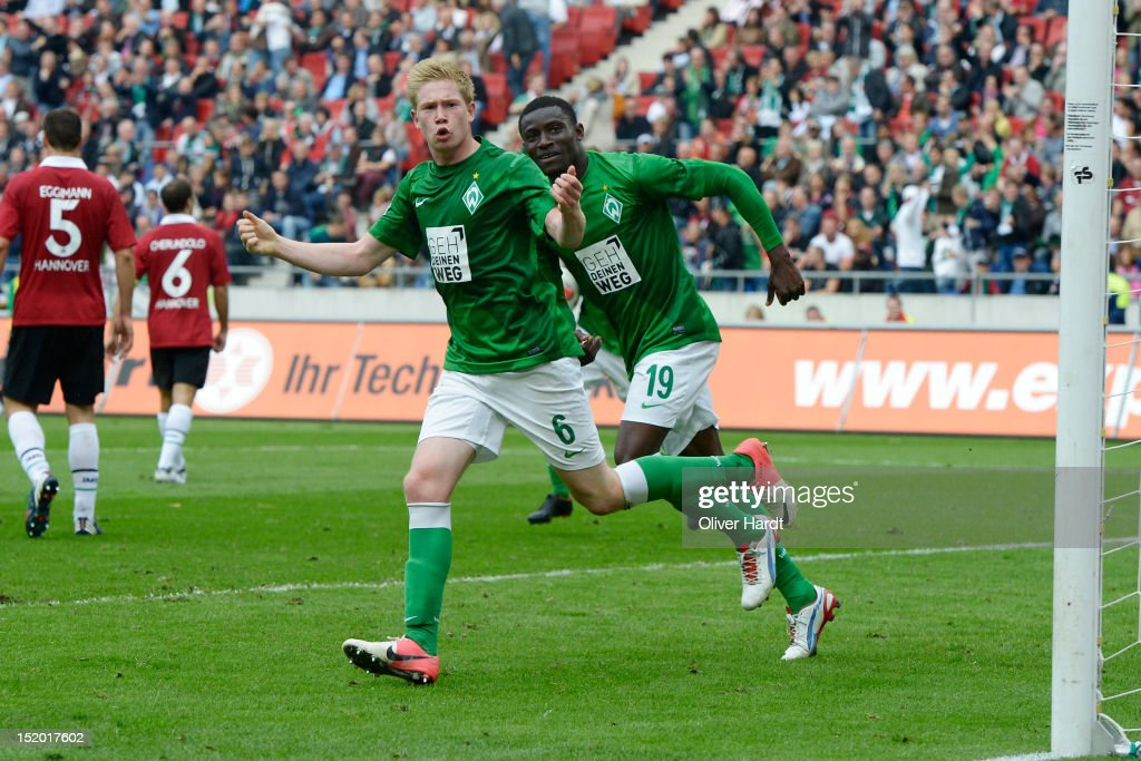<a gi-track='captionPersonalityLinkClicked' href=/galleries/search?phrase=Kevin+De+Bruyne&family=editorial&specificpeople=6165471 ng-click='$event.stopPropagation()'>Kevin De Bruyne</a> (C) of Bremen celebrates after scoring their first goal during the 1 Bundesliga match between Hannover 96 and Werder Bremen at AWD Arena on September 15, 2012 in Hannover, Germany.