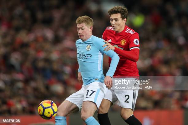 Kevin De Bruyne of Manchester City and Victor Lindelof of Manchester United during the Premier League match between Manchester United and Manchester...