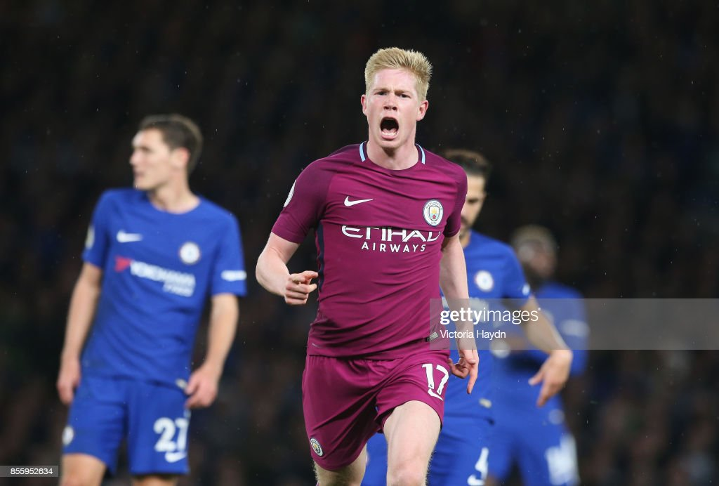 Kevin De Bruyne of Manchester City celebrates scoring his sides first goal during the Premier League match between Chelsea and Manchester City at Stamford Bridge on September 30, 2017 in London, England.