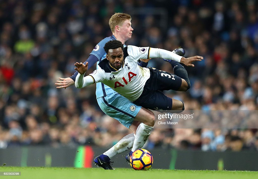 Kevin De Bruyne of Manchester City (L) fouls Danny Rose of Tottenham Hotspur (R) during the Premier League match between Manchester City and Tottenham Hotspur at the Etihad Stadium on January 21, 2017 in Manchester, England.