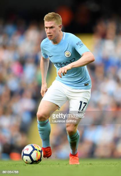 Kevin De Bruyne of Manchester City in action during the Premier League match between Manchester City and Stoke City at Etihad Stadium on October 14...