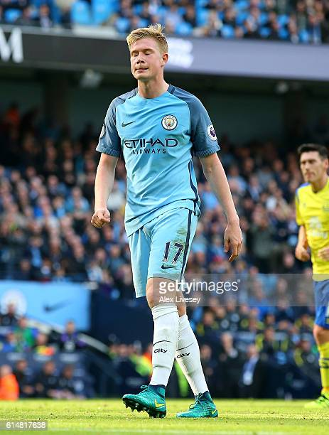 Kevin De Bruyne of Manchester City reacts to misssing a penalty during the Premier League match between Manchester City and Everton at Etihad Stadium...