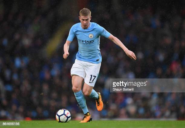 Kevin De Bruyne of Manchester City runs with the ball during the Premier League match between Manchester City and Burnley at Etihad Stadium on...
