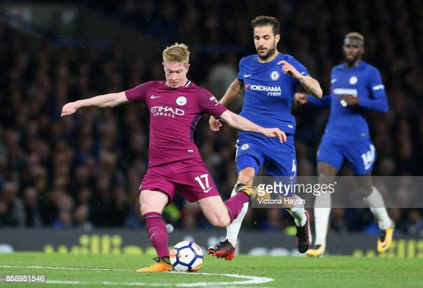 Kevin De Bruyne of Manchester City scores his sides first goal during the Premier League match between Chelsea and Manchester City at Stamford Bridge...