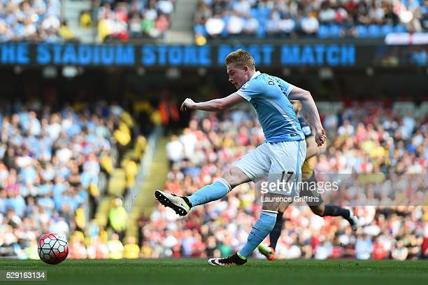 Kevin de Bruyne of Manchester City scores his side's second goal during the Barclays Premier League match between Manchester City and Arsenal at the...
