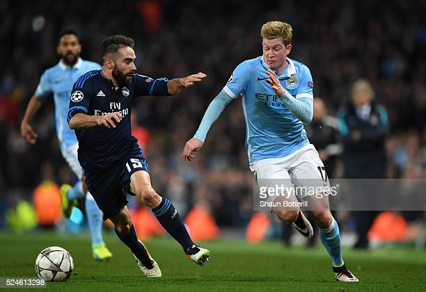 Kevin de Bruyne of Manchester City takes on Daniel Carvajal of Real Madrid CF during the UEFA Champions League Semi Final first leg match between...
