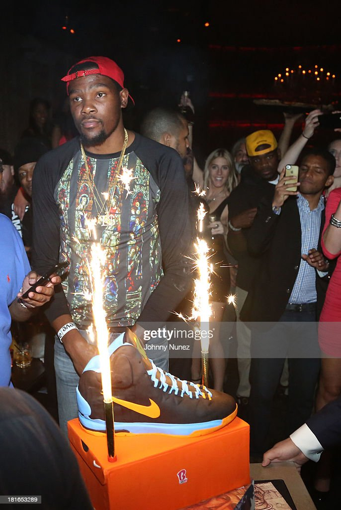 Kevin Durant attends Kevin Durant's 25th Birthday Party Avenue Club on September 22, 2013 in New York City.