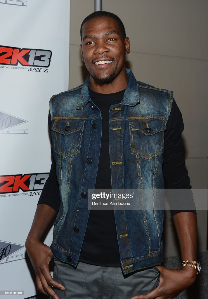 <a gi-track='captionPersonalityLinkClicked' href=/galleries/search?phrase=Kevin+Durant&family=editorial&specificpeople=3847329 ng-click='$event.stopPropagation()'>Kevin Durant</a> attends 'NBA 2K13' Premiere Launch Party at 40 / 40 Club on September 26, 2012 in New York City.
