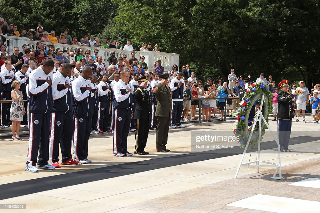 Kevin Durant LeBron James Kobe Bryant and Managing Director Jerry Colangelo of the 2012 US Men's Senior National Team during a visit to the Tomb of...