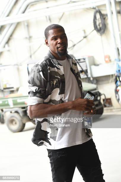 Kevin Durant of the Golden State Warriors arrives to the arena before the game against the San Antonio Spurs during Game Two of the Western...
