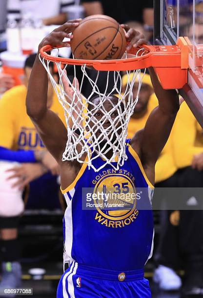 Kevin Durant of the Golden State Warriors dunks the ball in the first half against the San Antonio Spurs during Game Four of the 2017 NBA Western...