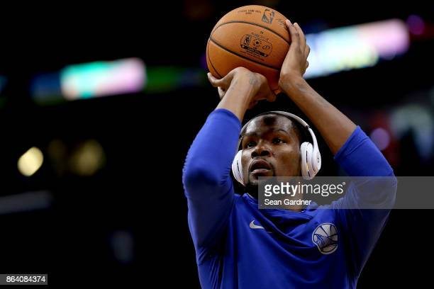 Kevin Durant of the Golden State Warriors warms up before playing the New Orleans Pelicans Smoothie King Center on October 20 2017 in New Orleans...