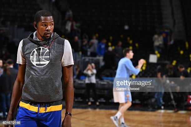 Kevin Durant of the Golden State Warriors warms up before the game against the Denver Nuggets on November 10 2016 at the Pepsi Center in Denver...