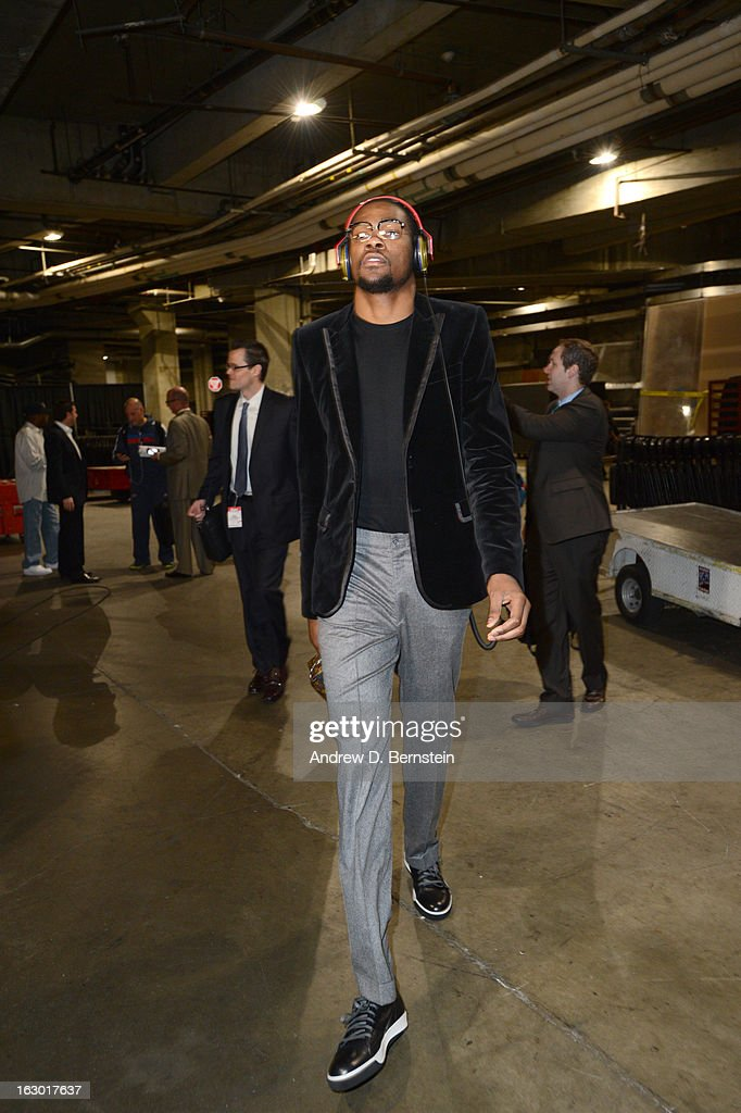 Kevin Durant #35 of the Oklahoma City Thunder arrives at the arena before taking on the Los Angeles Clippers at Staples Center on March 3, 2013 in Los Angeles, California.