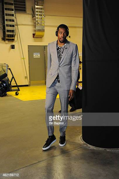 Kevin Durant of the Oklahoma City Thunder arrives at the arena before the game against the Cleveland Cavaliers on January 25 2015 at Quicken Loans...