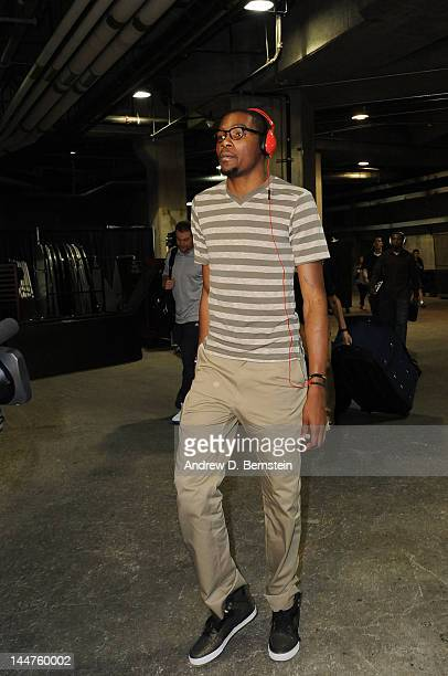 Kevin Durant of the Oklahoma City Thunder arrives before taking on the Los Angeles Lakers in Game Three of the Western Conference Semifinals during...