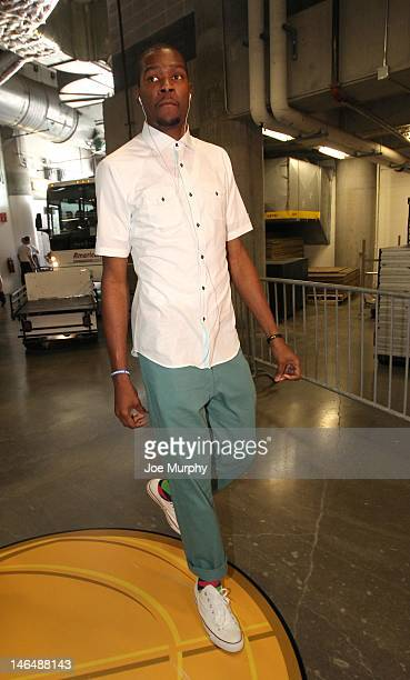 Kevin Durant of the Oklahoma City Thunder arrives for Game Three of the 2012 NBA Finals between the Miami Heat and the Oklahoma City Thunder at...