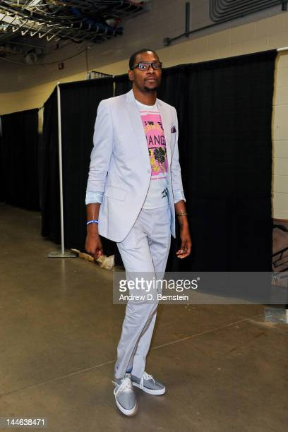 Kevin Durant of the Oklahoma City Thunder arrives to play against the Los Angeles Lakers in Game Two of the Western Conference Semifinals during the...
