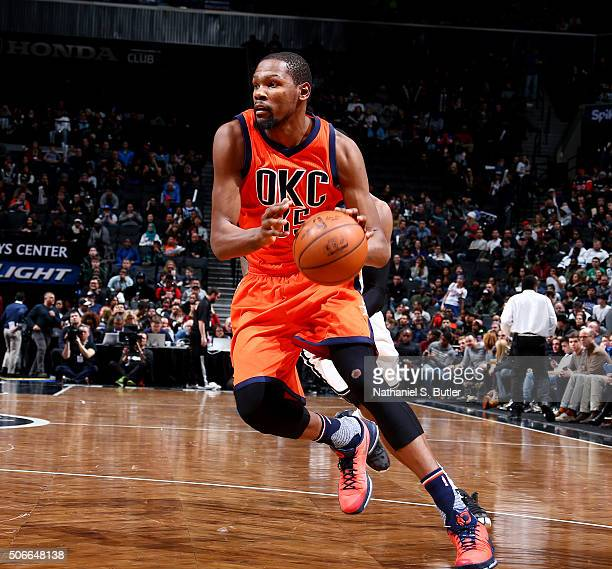 Kevin Durant of the Oklahoma City Thunder drives to the basket during the game against the Brooklyn Nets on January 24 2016 at Barclays Center in...