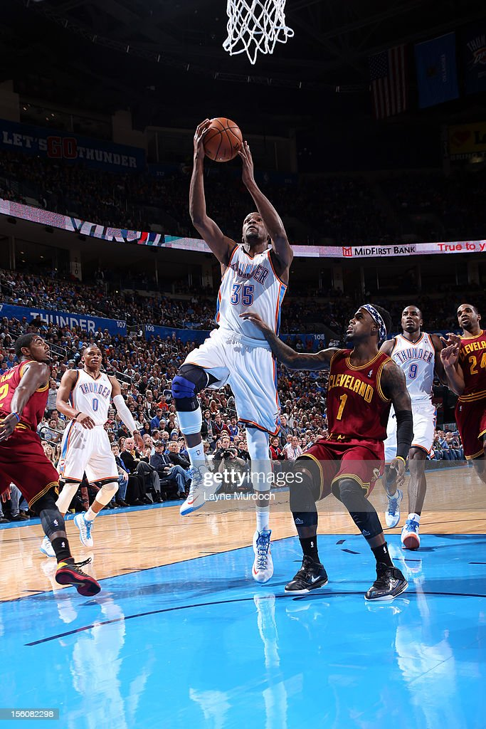 Kevin Durant #35 of the Oklahoma City Thunder drives to the basket vs the Cleveland Cavaliers during an NBA game on November 11, 2012 at the Chesapeake Energy Arena in Oklahoma City, Oklahoma.