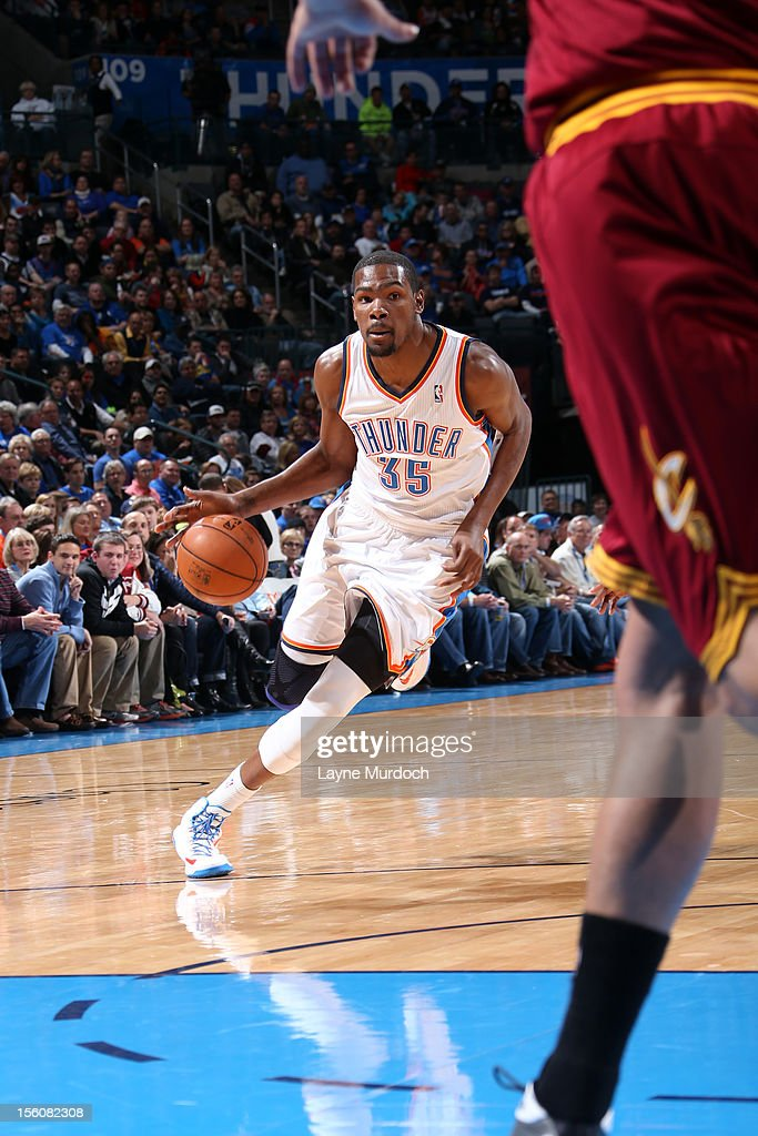 Kevin Durant #35 of the Oklahoma City Thunder drives to the hoop vs the Cleveland Cavaliers during an NBA game on November 11, 2012 at the Chesapeake Energy Arena in Oklahoma City, Oklahoma.
