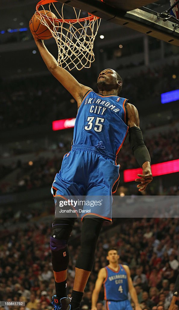 Kevin Durant #35 of the Oklahoma City Thunder dunks the ball against the Chicago Bulls at the United Center on November 8, 2012 in Chicago, Illinois.