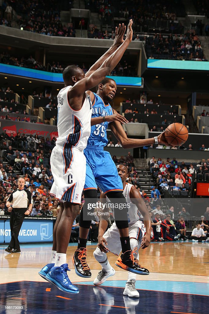 Kevin Durant #35 of the Oklahoma City Thunder passes the ball against the Charlotte Bobcats at the Time Warner Cable Arena on March 8, 2013 in Charlotte, North Carolina.