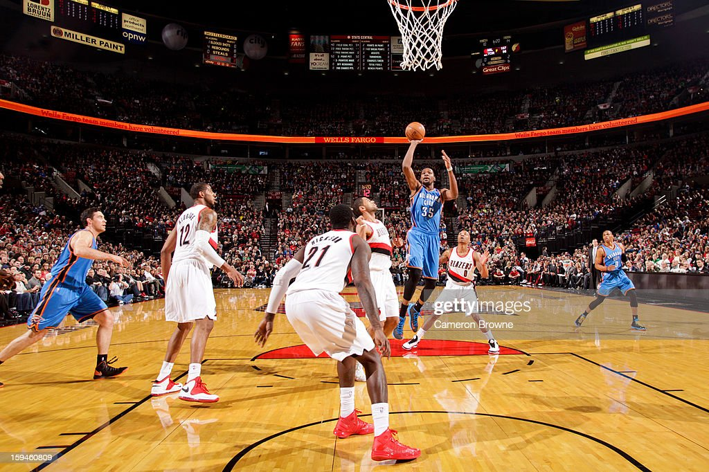 Kevin Durant #35 of the Oklahoma City Thunder shoots in the lane against the Portland Trail Blazers on January 13, 2013 at the Rose Garden Arena in Portland, Oregon.