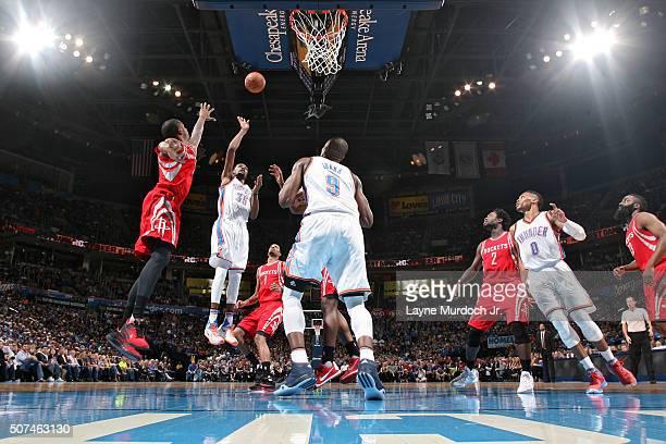 Kevin Durant of the Oklahoma City Thunder shoots the ball against the Houston Rockets on January 29 2016 at Chesapeake Energy Arena in Oklahoma City...