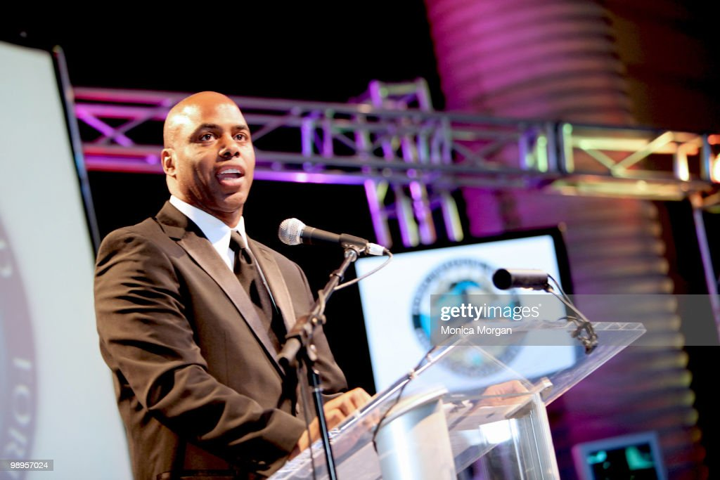 Kevin Frazier of Entertainment Tonight attends the 12th Annual Ford Freedom Awards Scholars Lecture at the Charles H. Wright Museum of African American History on May 6, 2010 in Detroit, Michigan.