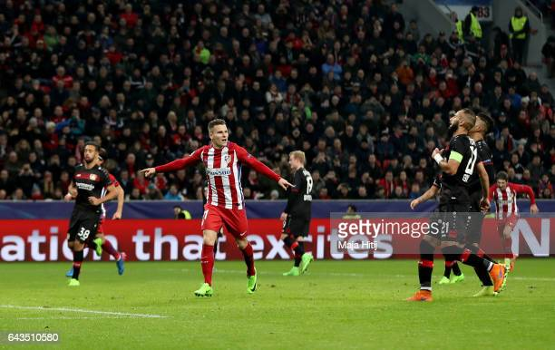 Kevin Gameiro of Atletico celebrates after he scores the 3rd goal by penalty kick during the UEFA Champions League Round of 16 first leg match...