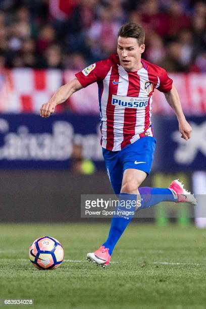 Kevin Gameiro of Atletico de Madrid in action during the La Liga match between Atletico de Madrid vs Villarreal CF at the Estadio Vicente Calderon on...