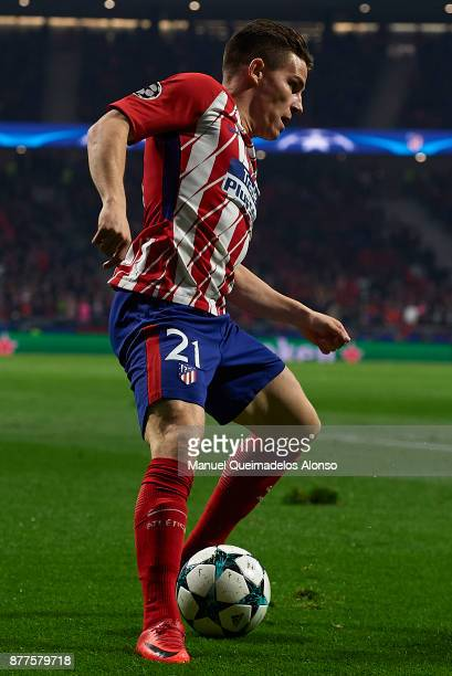 Kevin Gameiro of Atletico de Madrid in action during the UEFA Champions League group C match between Atletico Madrid and AS Roma at Estadio Wanda...