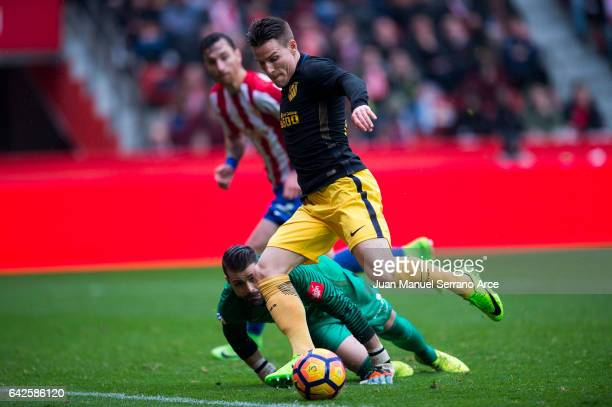 Kevin Gameiro of Atletico Madrid scoring his team's second goal during the La Liga match between Real Sporting de Gijon and Atletico Madrid at...