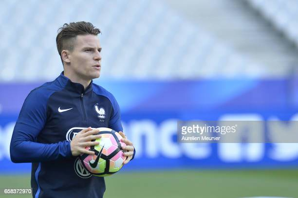 Kevin Gameiro of France warmup during the practice session before the match between France and Spain at the Stade de France on March 27 2017 in Paris...