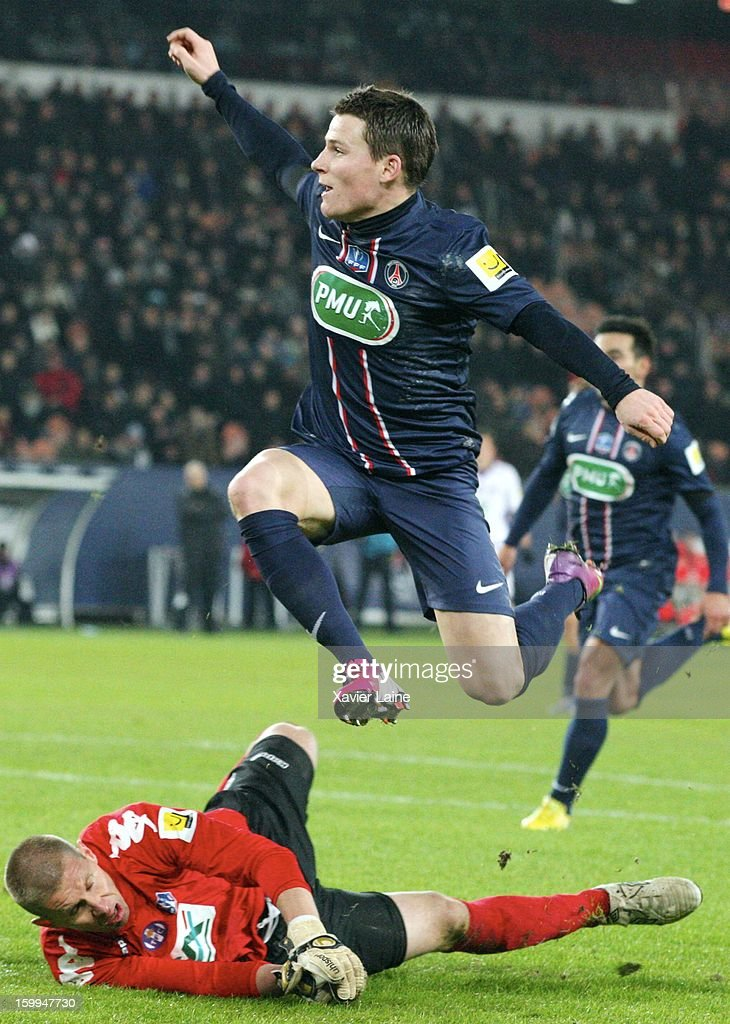Kevin Gameiro of Paris Saint-Germain FC scores a goal during the French Cup between Paris Saint-Germain FC and Toulouse FC, at Parc des Princes on January 23, 2013 in Paris, France.