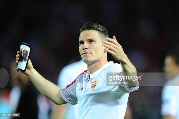 Kevin Gameiro of Sevilla celebrates after the UEFA Europa League quarter final second leg match between Sevilla and Athletic Bilbao at the Ramon...