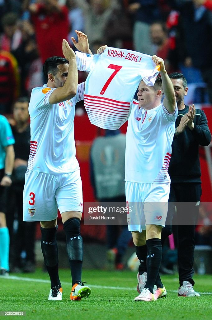 Kevin Gameiro of Sevilla FC celebrates after scoring his team's second goal during the UEFA Europa League Semi Final second leg match between Sevilla and Shakhtar Donetsk at Estadio Ramon Sanchez-Pizjuan on May 05, 2016 in Seville, Spain.