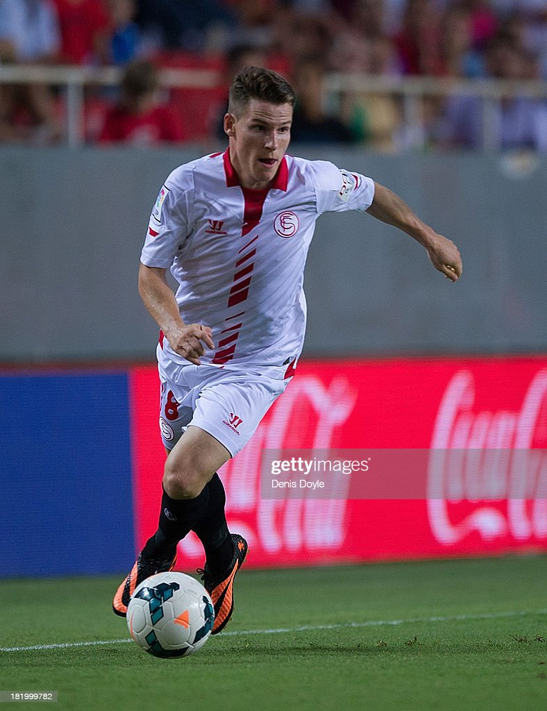 <a gi-track='captionPersonalityLinkClicked' href=/galleries/search?phrase=Kevin+Gameiro&family=editorial&specificpeople=815278 ng-click='$event.stopPropagation()'>Kevin Gameiro</a> of Sevilla FC in action during the la Liga match between Sevilla FC and Rayo Vallecano de Madrid at Estadio Ramon Sanchez Pizjuan on September 25, 2013 in Seville, Spain.
