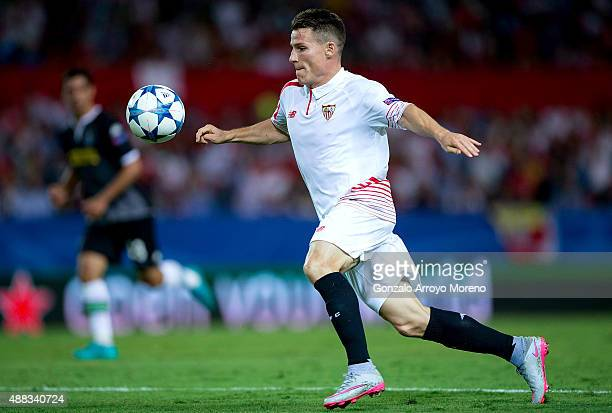Kevin Gameiro of Sevilla FC runs for the ball during the UEFA Champions League Group D match between Sevilla FC and VfL Borussia Monchengladbach at...