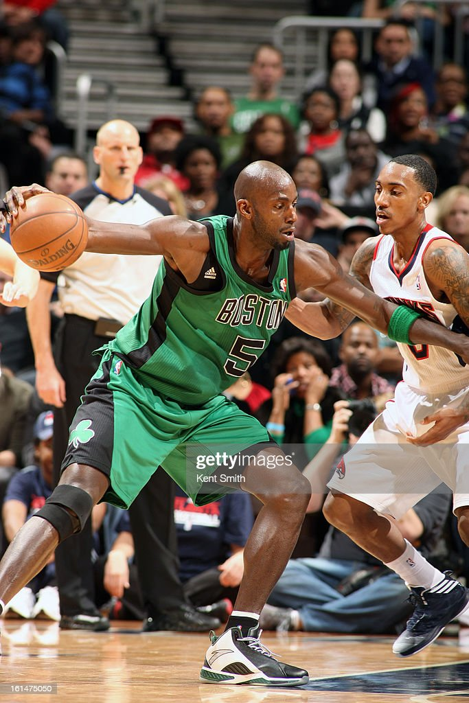 Kevin Garnett #5 of the Boston Celtics drives to the basket against the Atlanta Hawks at the Philips Arena on January 25, 2013 in Atlanta, Georgia.