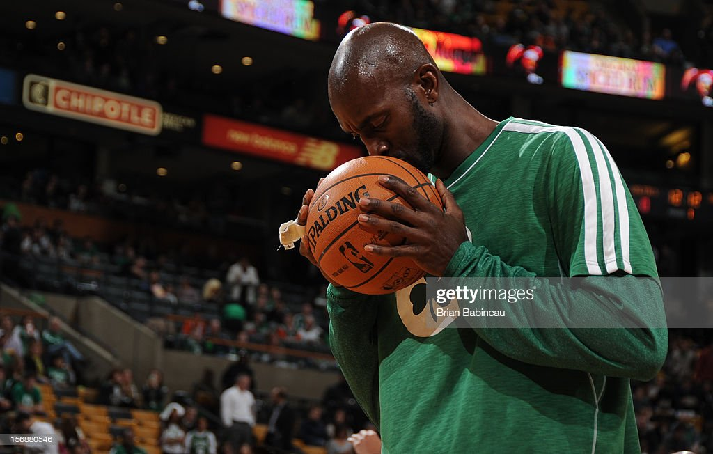 Kevin Garnett #5 of the Boston Celtics gets ready before the game against the Oklahoma City Thunder on November 23, 2012 at the TD Garden in Boston, Massachusetts.