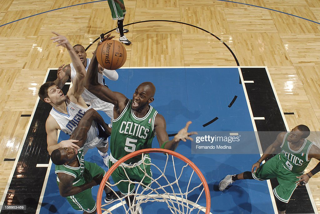 <a gi-track='captionPersonalityLinkClicked' href=/galleries/search?phrase=Kevin+Garnett&family=editorial&specificpeople=201473 ng-click='$event.stopPropagation()'>Kevin Garnett</a> #5 of the Boston Celtics goes to the basket during the game between the Boston Celtics and the Orlando Magic on November 25, 2012 at Amway Center in Orlando, Florida.