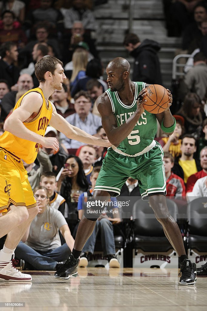 <a gi-track='captionPersonalityLinkClicked' href=/galleries/search?phrase=Kevin+Garnett&family=editorial&specificpeople=201473 ng-click='$event.stopPropagation()'>Kevin Garnett</a> #5 of the Boston Celtics looks to drive to the basket against the Cleveland Cavaliers at The Quicken Loans Arena on January 22, 2013 in Cleveland, Ohio.