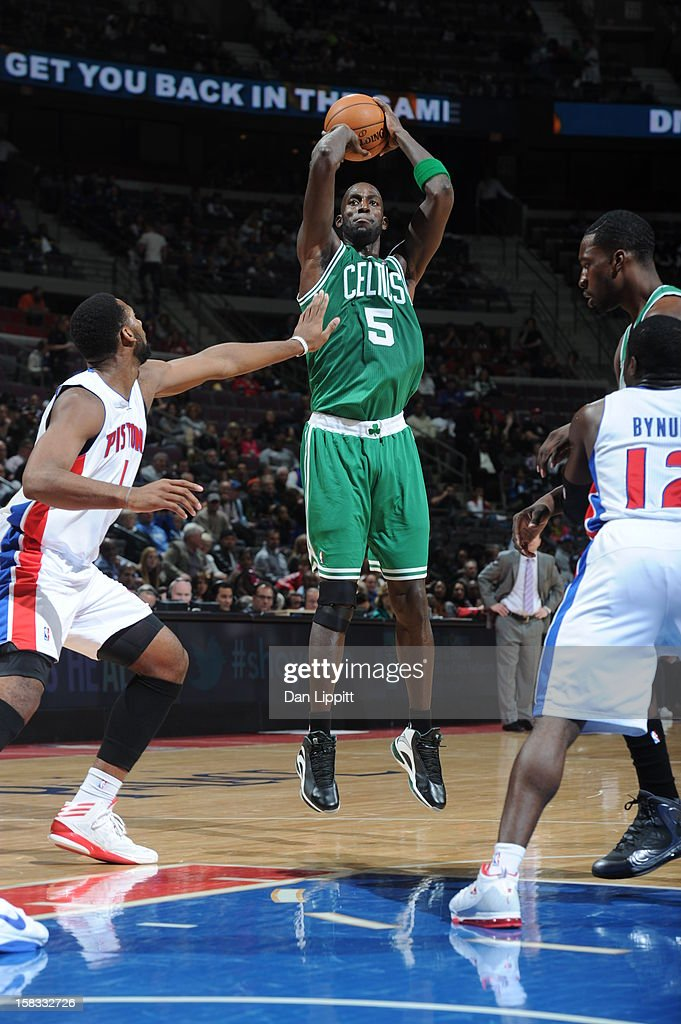 <a gi-track='captionPersonalityLinkClicked' href=/galleries/search?phrase=Kevin+Garnett&family=editorial&specificpeople=201473 ng-click='$event.stopPropagation()'>Kevin Garnett</a> #5 of the Boston Celtics takes a shot against the Detroit Pistons on November 18, 2012 at The Palace of Auburn Hills in Auburn Hills, Michigan.