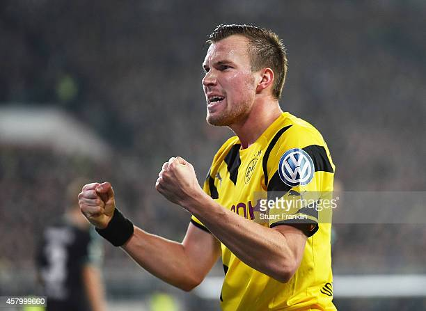 Kevin Grosskreutz of Dortmund celebrates a goal during the the DFB Cup match between FC St Pauli and Borussia Dortmund at Millerntor Stadium on...