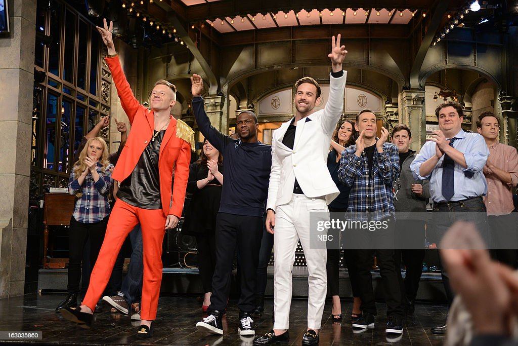 LIVE -- 'Kevin Hart' Episode 1635 -- Pictured: (l-r) Kate McKinnon, Macklemore, Kevin Hart, Ryan Lewis, Cecily Strong, Fred Armisen, Tim Robinson, Bobby Moynihan, Jason Sudeikis --