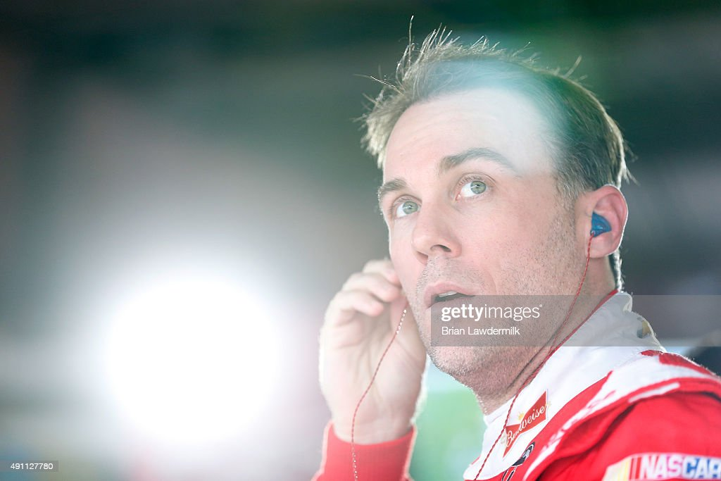 <a gi-track='captionPersonalityLinkClicked' href=/galleries/search?phrase=Kevin+Harvick&family=editorial&specificpeople=209186 ng-click='$event.stopPropagation()'>Kevin Harvick</a>, driver of the #4 Budweiser/Jimmy John's Chevrolet, prepares to drive during practice for the NASCAR Sprint Cup Series AAA 400 at Dover International Speedway on October 3, 2015 in Dover, Delaware.