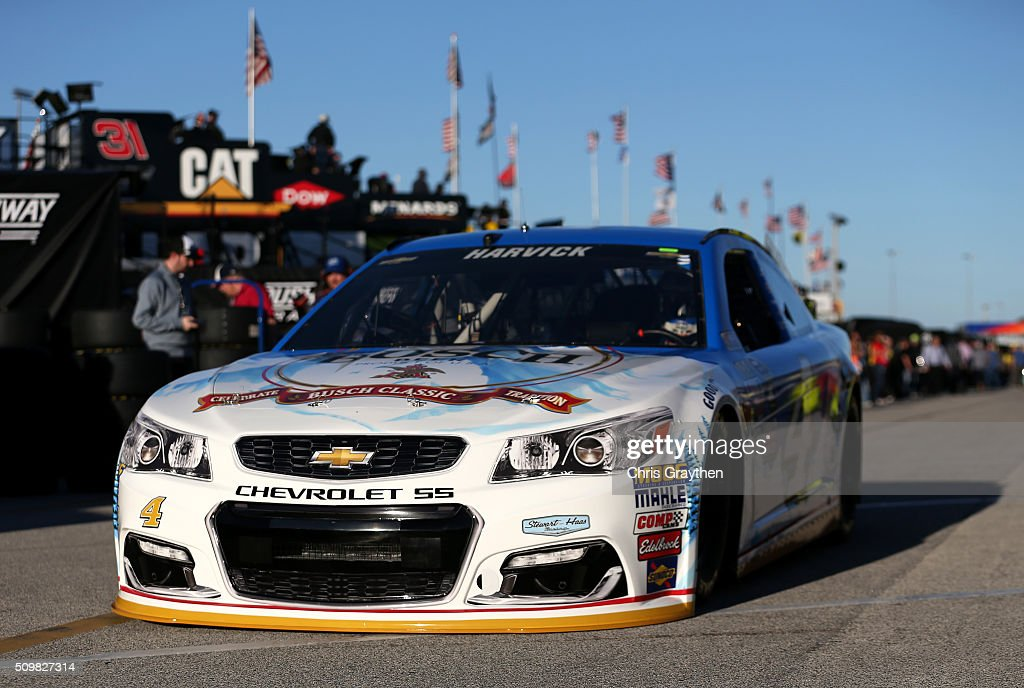 <a gi-track='captionPersonalityLinkClicked' href=/galleries/search?phrase=Kevin+Harvick&family=editorial&specificpeople=209186 ng-click='$event.stopPropagation()'>Kevin Harvick</a>, driver of the #4 Busch Beer Chevrolet, drives through the garage area during practice for the NASCAR Sprint Cup Series Sprint Unlimited at Daytona International Speedway on February 12, 2016 in Daytona Beach, Florida.