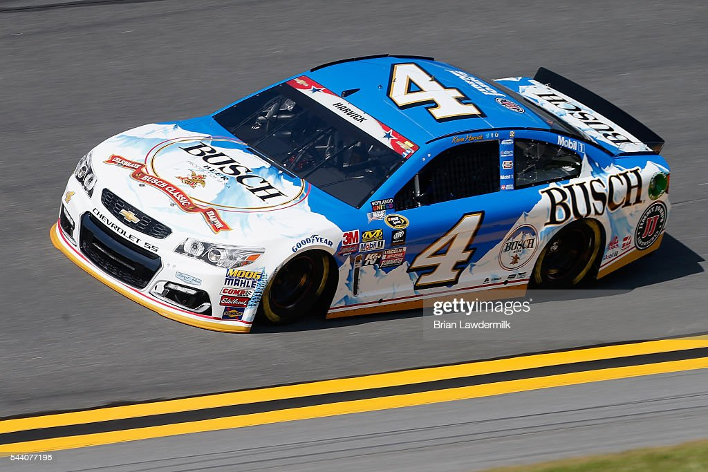 Kevin Harvick, driver of the #4 Busch Beer Chevrolet, practices for the NASCAR Sprint Cup Series Coke Zero 400 at Daytona International Speedway on July 1, 2016 in Daytona Beach, Florida.